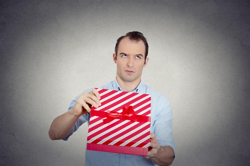 Mand der har fået en gave